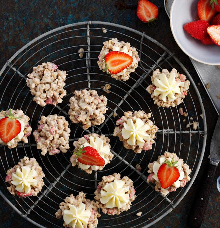 Blog Article main blog image 4 lemon cake finals